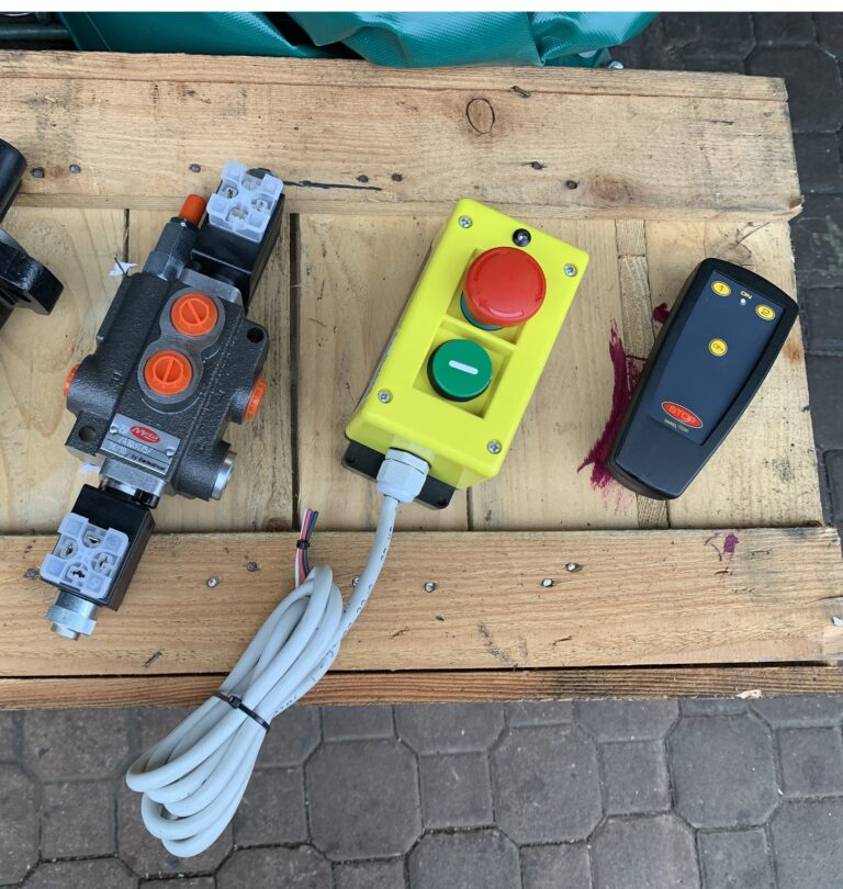 Radiocomando per argano forestale
